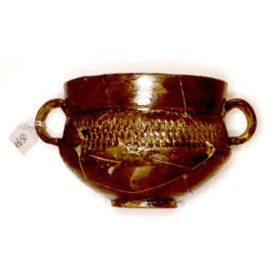 museo-archeologico-notaresco-teramo---coppa-con-anse-di-argilla